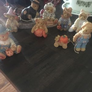 9 cherished teddies